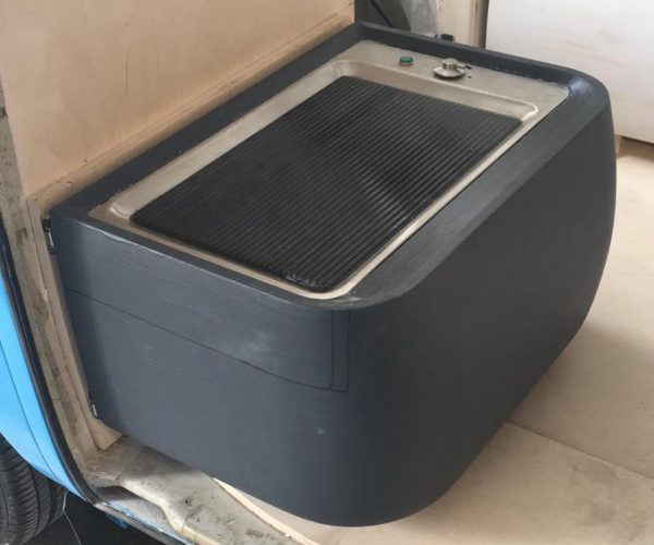 Buddy seat plug with griddle